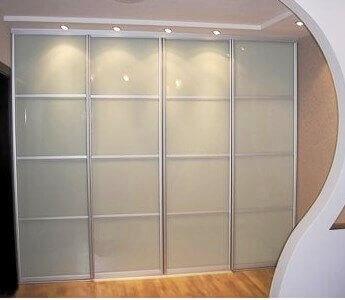 Раздвижная система для шкафа-купе: фасады со стеклом лакобель