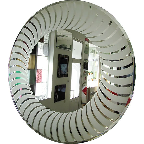 Круглое зеркало с рисунком, на стену